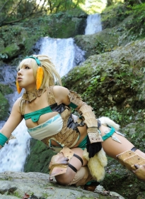 nonsummerjack_sexy_blonde_hunter_21