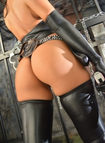 Saeka_Sexy_Latex_16