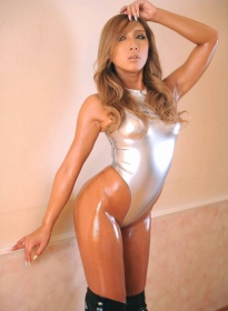 white-glassy-swimwear-061
